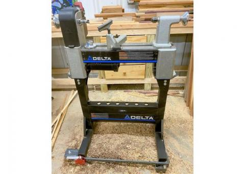 DELTA MIDI-LATHE WITH STAND AND WHEEL BASE